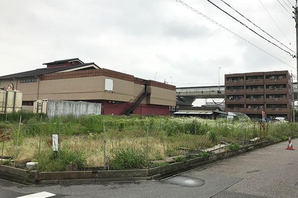 愛知県春日井市の畑、駐車場